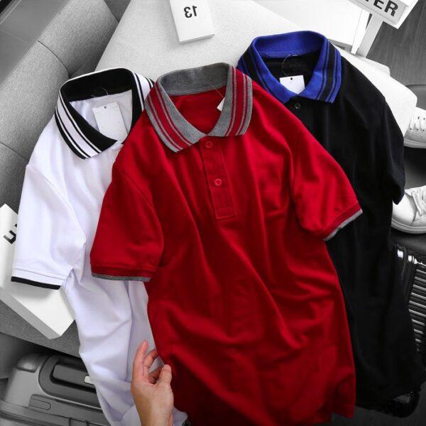 Áo thun nam cổ bẻ logo ở ngực trái phối viền ở cổ và tay