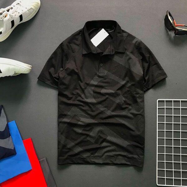Áo thun nam cổ bẻ có chữ EQ và Backgroud trước áo màu đen