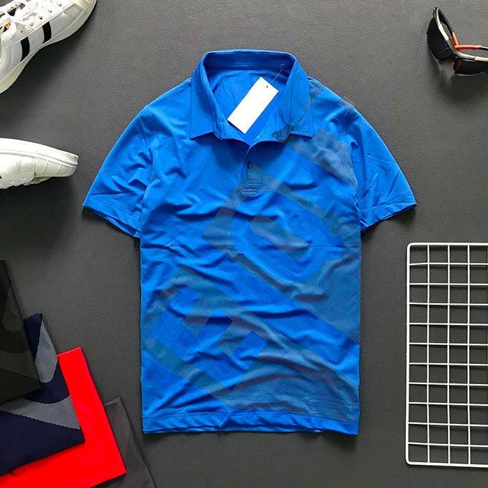 Áo thun nam cổ bẻ có chữ EQ và Backgroud trước áo màu xanh biển