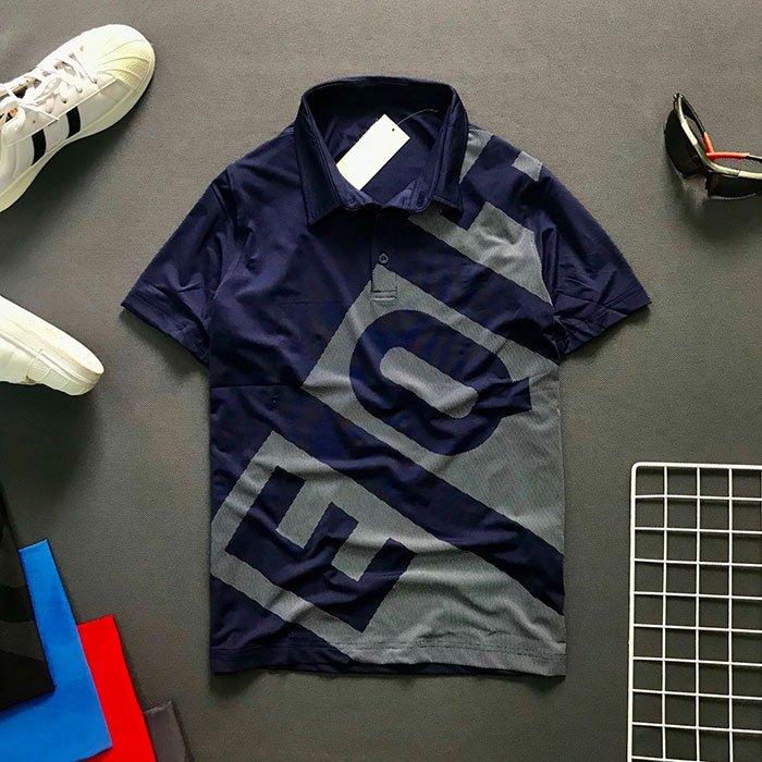 Áo thun nam cổ bẻ có chữ EQ và Backgroud trước áo màu xanh đen