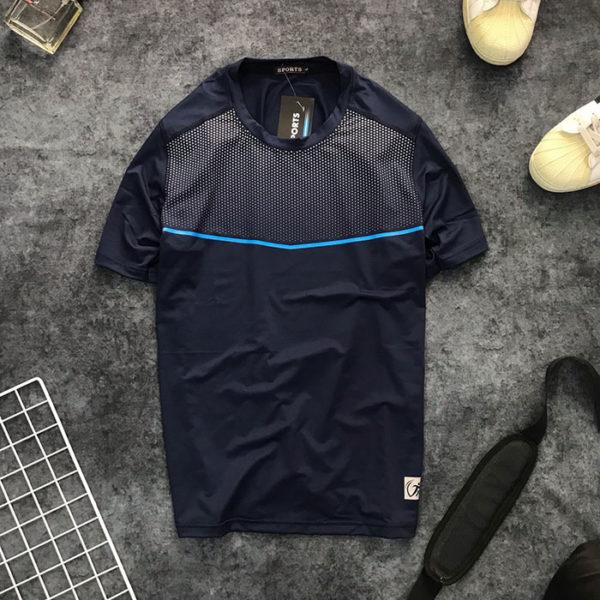 Áo thun nam thể thao cổ tròn họa tiết chấm bi ở ngực phối đường kẻ xanh dương