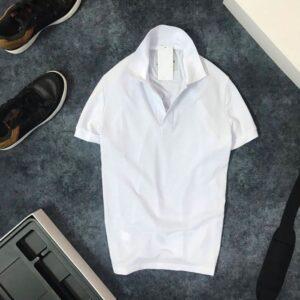 Áo thun nam trơn cổ bẻ với logo bên trái trắng