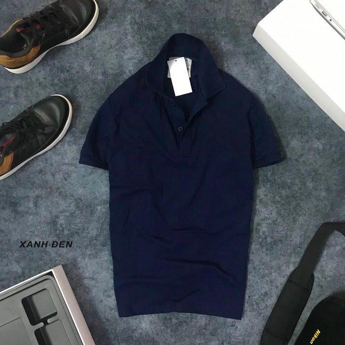 Áo thun nam trơn cổ bẻ với logo bên trái xanh đen