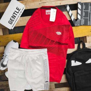 Áo thun cổ tròn đỏ quần trắng